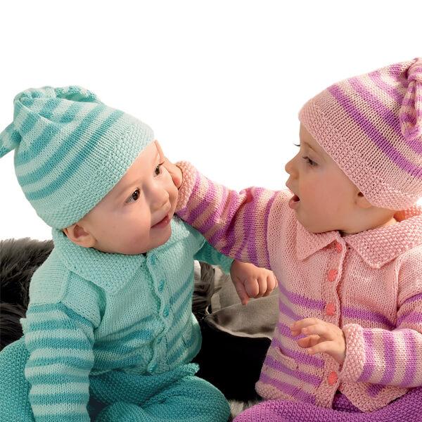 2 kleine gestrickte Babymütze