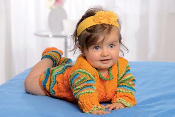 Baby Strickanleitung Pullover Höschen und Socken 14001 09